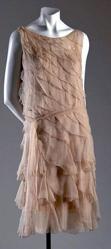 Chanel Dress - 1925 - House of Chanel (French, founded 1913) - Design by Gabrielle 'Coco' Chanel (French, 1883-1971) - Photo by Irving Solero - @~ Mlle