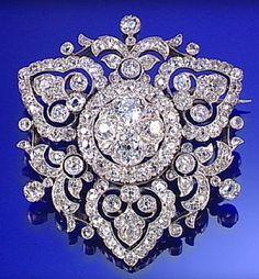 DIAMOND BROOCH/PENDANT, CIRCA 1880
