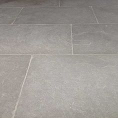 Consistent light to medium grey limestone tiles with a hint of blue tone and cloudy appearance. This is an antiqued tumbled natural flagstone. Limestone Pavers, Flagstone Flooring, Limestone Flooring, Flagstone Patio, Slate Patio, Foyer Flooring, Slate Flooring, Kitchen Flooring, Flooring Ideas