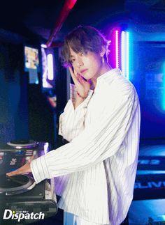 V ❤ BTS X Dispatch Love Yourself 承 'Her' Photoshoot~ (Original Article: m.star.naver.com/bts) #BTS #방탄소년단
