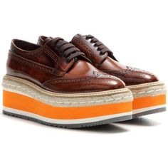 Prada Wingtip Platform Leather Brogues (52.075 RUB) ❤ liked on Polyvore featuring shoes, oxfords, brown, brown shoes, prada oxford, platform oxfords, leather shoes and brown leather oxfords