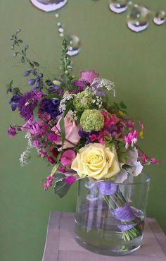Parrallel bruidsboeket voorjaar vrolijk