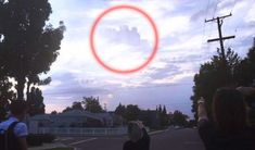 Is it possible that  a parallel universe has opened on Earth? Mysterious floating city reappears in the sky creating confusion among residents in California After several reports of 'floating cities' appearing in the skies around the world, another incredible similar sighting has been made by people claiming a 'portal from another dimension' may have opened...Read More