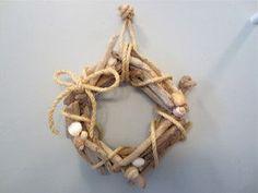 6 Easy DIY Driftwood Craft Ideas