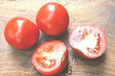 10 trucs pour enlever une tache de tomate sur les vêtements.