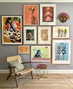 64 outstanding gallery wall decor ideas 26 ~ Design And Decoration Inspiration Wand, Interior Inspiration, Decor Room, Living Room Decor, Living Room Wall Art, Picture Wall Living Room, Retro Living Rooms, Living Room Pictures, Wall Pictures