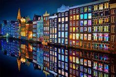 Colores y espejo - Amsterdan, Holanda