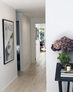 [New] The 10 Best Home Decor (with Pictures) - Keeping the entrance simple yet inviting with a taste of whats to come Decor Interior Design, Interior Styling, Interior Decorating, Wood Table, Entrance, Home Goods, Wedding Decorations, Sweet Home, Simple