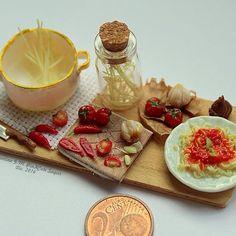 #miniaturefood 1:12 scale: Spaghetti!