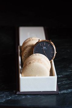 The best watches ever! The Classic Black is amazingly gorgeous and elegant and the rose gold.so beautiful. Get off using my code URBANPOSER at check out. Cool Watches, Watches For Men, Daniel Wellington Watch, Elegant Watches, Watches Online, Watch Brands, Timeless Design, Gold Watch, Illusions