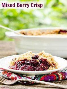 Mixed Berry Crisp made with fresh berries and has a crumbly, crisp topping.