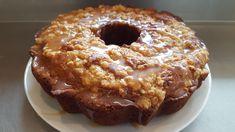 Des pommes et du caramel...y'a rien de meilleur!!!   GÂTEAU AUX POMMES ET CARAMEL Garniture -1/3 tasse de cassonade -1/3 tasse de farin...