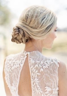 Wedding hairstyle idea; Featured Photographer: When He Found Her