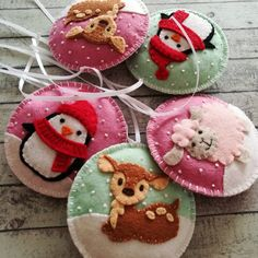 Felt christmas ornament - Penguin snowing snowglobe ornament/ wool felt This listing is for 1 ornament Size about 9 cm Material wool felt or wool blend felt Color options: - Pistachio ( light mint ) - Blue - Pink Handmade from felt with high precision and Christmas Projects, Felt Crafts, Holiday Crafts, Fabric Crafts, Felt Projects, Felt Diy, Sewing Projects, Felt Christmas Decorations, Felt Christmas Ornaments