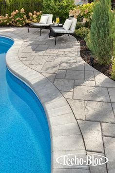 Bullnose cap & Blu slab www.techo-: Bullnose cap & Blu slab www. Pool Pavers, Swimming Pool Landscaping, Concrete Pool, Swimming Pool Designs, Pool Decks, Pool Coping, Pool Remodel, My Pool, Cool Pools
