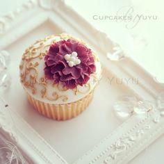 old filigree cupcake