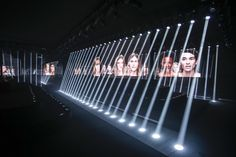 Louis Vuitton Spring 2015 Ready-to-Wear Fashion Show Design Expo, Bühnen Design, Event Design, Event Lighting, Stage Lighting, Communication Evenementielle, Es Devlin, Catwalk Design, Stage Set Design