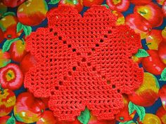Its amazing what can be created with an aluminum hook and a ball of string...But one of my favorite things to make with it is dishcloths. Not only are they useful and practical, you can whip them up fairly quick and they are inexpensive. The tedious job of washing dishes may seem even less so, when you are washing them with one of theses crochet dishcloths.