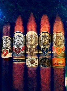 Happy Hour (28 Photos) – Suburban Men Good Cigars, Cigars And Whiskey, Artemis, Zigarren Lounges, Cigar Shops, Cigar Art, South By Southwest, Premium Cigars, Cigar Accessories