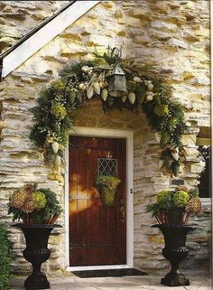 this arrangement would look great on our front door ... maybe this year!