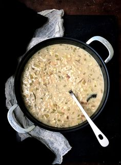 This vegan Chesapeake Chowder is creamy and delicious with potatoes, healthy white beans and tempeh. Old Bay seasoning and dashi add oceany flavor. Spinach Recipes, Meat Recipes, Chili Recipes, Seafood Recipes, Vegan Recipes Easy, Vegetarian Recipes, Free Recipes, Vegan Fish, Vegan Soups