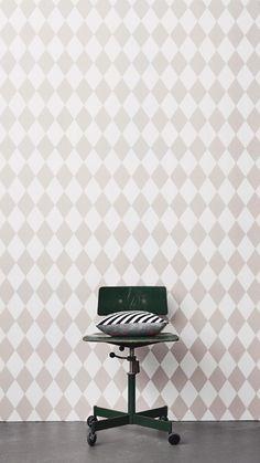 Tapeten Harlequin från Ferm i butik och online hos Engelska Tapetmagasinet | Barnrum | Barntapet | Inredning | Rutig | Rosa | Wallpaper | Kids Room