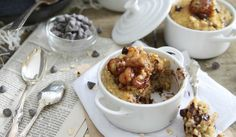 Caramelized Banana and Chocolat chip Breakfast Bake - with Quinoa, Oats, milk and eggs batter, in the oven for 25 min.. Running to the Kitchen