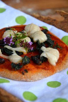 Vollkornpizza mit Wildkräutern - Das Mädel vom Land