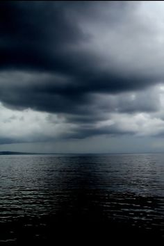 dark moody clouds and sky, incoming storm beautiful nature All Nature, What Is Mother Nature, Storm Clouds, Ocean Storm, Sea And Ocean, Ocean Beach, Belle Photo, Beautiful World, Nature Photography