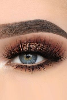 30 Hochzeit Make-up-Ideen für blaue Augen , 39 Top Rose Gold Makeup Ideas To Look Like A Prom Makeup Looks That Will Make You the Belle of the Sexy Eye Make Up Looks for Brown Eyes to Give… Makeup Eye Looks, Blue Eye Makeup, Cute Makeup, Eyeshadow Makeup, Makeup Brushes, Eyeshadows, Bronze Eye Makeup, Eye Makeup For Prom, Makeup With Blue Dress