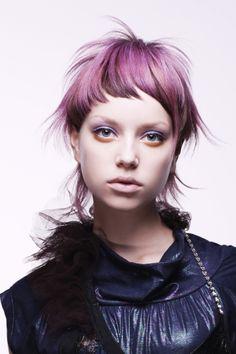 Photographer:Toru Koike (buffo piazza) Stylist:Seiko Irobe purple