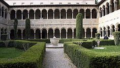 Vista general del claustre de Santa Maria de Ripoll
