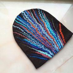 #валянаяшапка из 30гр шерсти и столько же грамм декоративных волокон.мягкая ,эластичная и конечно же эффектная.