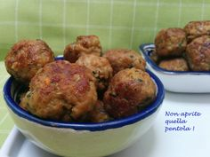 Let's charge with these spicy meatballs. Perfect as a second but fantastic also as finger food, appetizer or entree. Try our recipe on # nonapritequellapentola! http://blog.giallozafferano.it/nonapritequellapentola/polpettine-speziate/