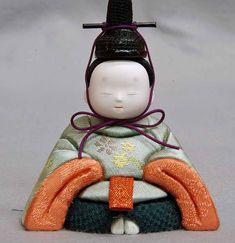 Chocolate Showpiece, Japan Art, Japanese Culture, Dolls, Christmas Ornaments, Holiday Decor, Cake, Wood Art, Baby Dolls