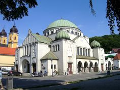 Jewish synagogue in Trencin, Slovakia - no longer in use? Synagogue Architecture, Sacred Architecture, Religious Architecture, Temples, Beautiful Buildings, Beautiful Places, Europe Must See, Jewish Synagogue, Heart Of Europe