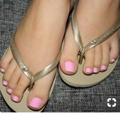 Fashion Anklets Bracelets - Add flare to your style, express your creativity Pretty Toe Nails, Cute Toe Nails, Cute Toes, Pretty Toes, Anklet Bracelet, Anklets, Pink Pedicure, Pedicure Manicure, Gold Flip Flops