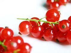 Marjo (dans ma bulle...): Cueillette d'été......... Recette de liqueur et de sirop de fruits rouges. [simple comme bonjour!]