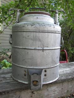 What an awesome find!  Stanley Insulated Container  1933  1953  25 hot or by greenchicliz, $125.00