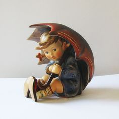 M.I. HUMMEL Figurine Umbrella Girl 152/0 B Trademark No. 6 (1979 - 990).