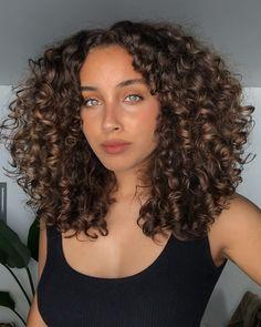 Haircuts For Curly Hair, Curly Hair Tips, Short Curly Hair, Curly Hair Styles, Mixed Curly Hair, Medium Curly Haircuts, Layered Curly Hair, Curly Girl, Wavy Hair
