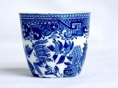 Blue and White Willow Egg Cup Victoria Porcelain | lilgreenshop - Collectibles on ArtFire