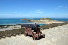 St Malo, Location, Cannon, Saints, Guns, Spirit, Beautiful Images, Santos, Weapons