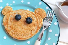 Vegan spelt pancake bear - Superb recipe with no sugar ( only maple syrup )! Spelt Pancakes, Vanilla Pancakes, Spelt Flour, Spelt Recipes, Vegan Recipes, Kosher Recipes, Cooking Recipes, Alkaline Foods, Alkaline Recipes
