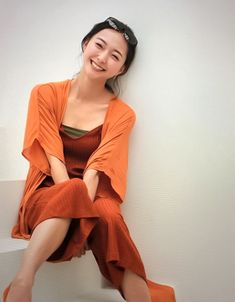 Vogue, Cute Asian Girls, Female Athletes, Sports Women, Female Bodies, Cool Pictures, Wrap Dress, Actresses, Costumes
