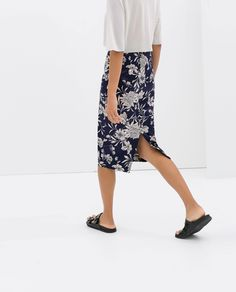 Image 3 of PRINTED PENCIL SKIRT from Zara