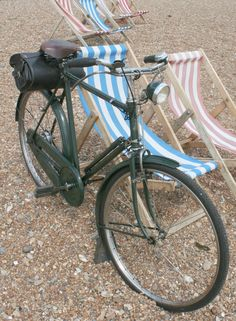 1959 Raleigh Superbe Dawn Tourist – The Online Bicycle Museum Raleigh Bicycle, Raleigh Bikes, Women's Cycling Jersey, Cycling Gear, Cycling Jerseys, Old Bicycle, Bicycle Girl, Townie Bike, Bike Shelter