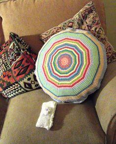 cushion - crochet