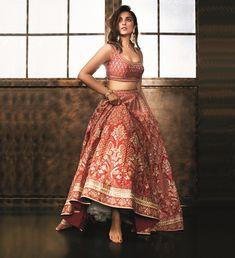 Parineeti Chopra, Femina Wedding Times, Anniversary on Pantone Canvas Gallery Pakistani Bridal, Bridal Lehenga, Pakistani Dresses, Indian Bridal, Indian Dresses, Wedding Dresses Short Bride, Indian Wedding Outfits, Indian Outfits, Short Dresses