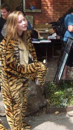 Animal Costumes, Mascot Costumes, Furry Girls, Fursuit, Coats For Women, Cute Girls, Cosplay, Jokes, Geek